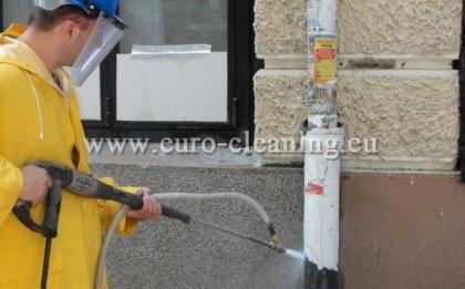 Пясъкоструене на боядисана мозайка - Пясъкоструене в действие