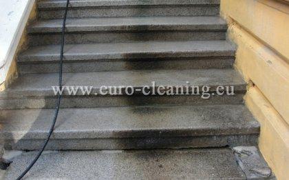 Пясъкоструене - почистване на стълбище
